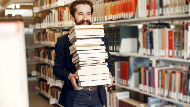 Editorial Usach celebra el mes del libro con un 40% de descuento en sus últimas novedades